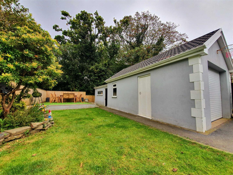 Woodfield Avenue, Pontlliw, Swansea, SA4 9EQ